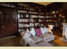 A relaxed Hallidays family reading room