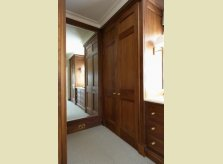 Dressing room in American Black Walnut